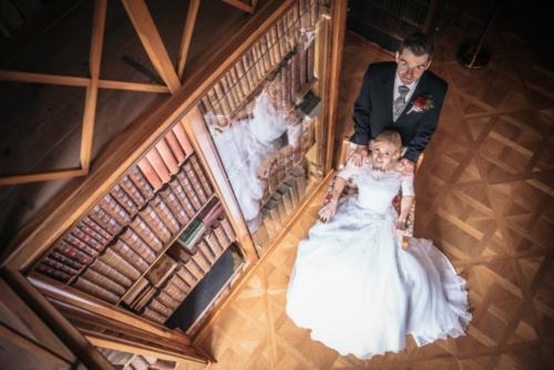 svatby-v-zameckem-parku-14