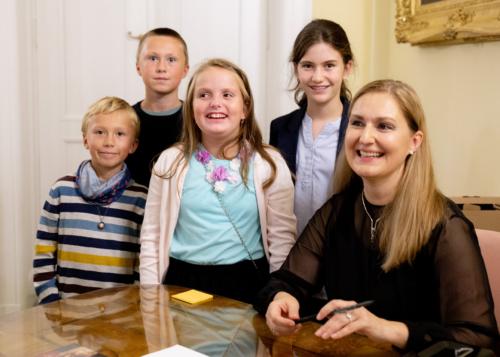 ludmila-peterkova-zahajila-abonentni-radu-64